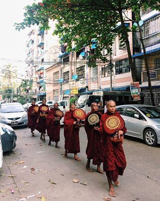 Monks' alms round. Photo by Boran Choi